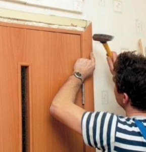 Как правильно установить наличники на двери