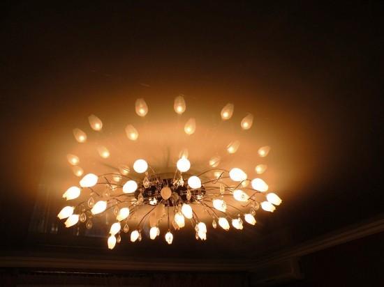 Люстра для гостиной с низким потолком
