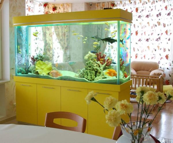 Украшаем интерьер квартиры с помощью аквариума