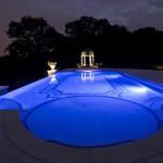 разноцветная подсветка бассейнов