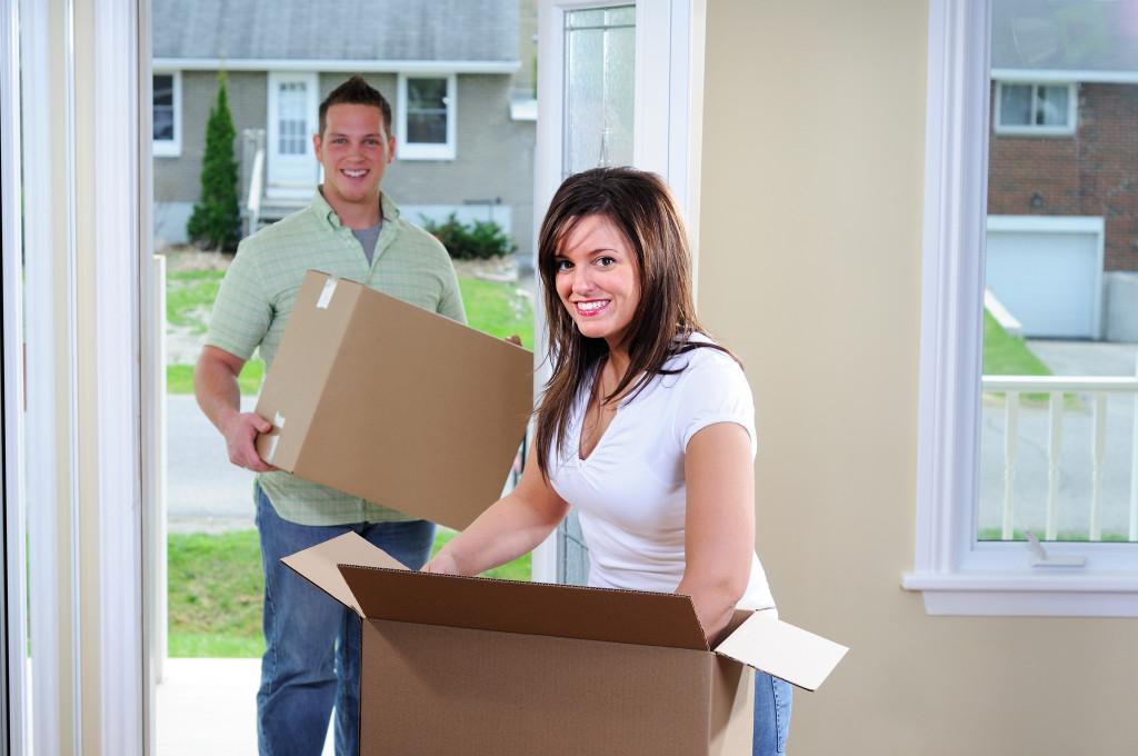 перевозка мебели при переезде