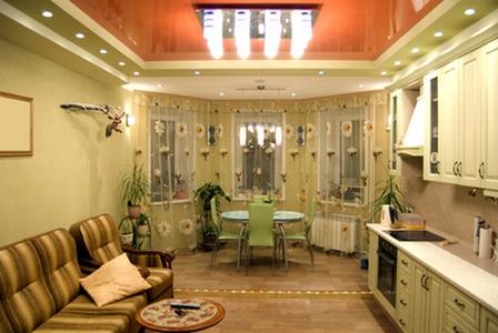 Дизайн интерьера кухни с эркером